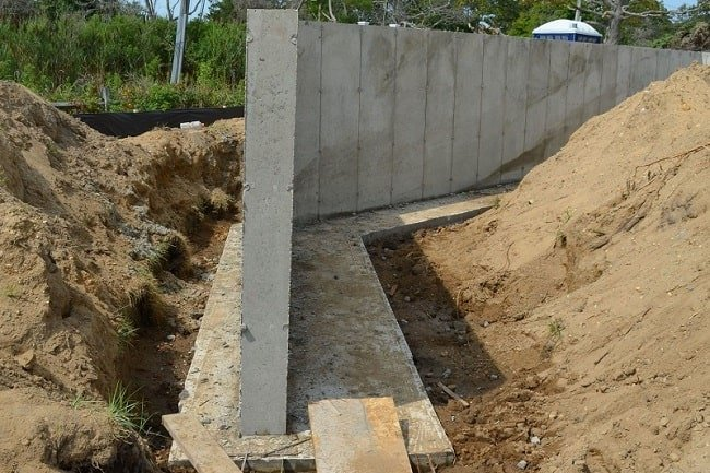 Cantilevered Retaining Wall