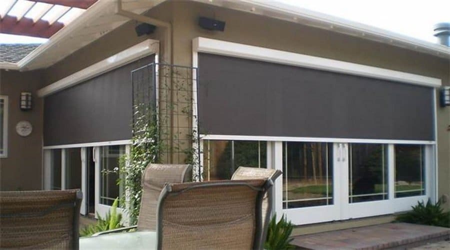 What makes retractable screens a must-have for homes?