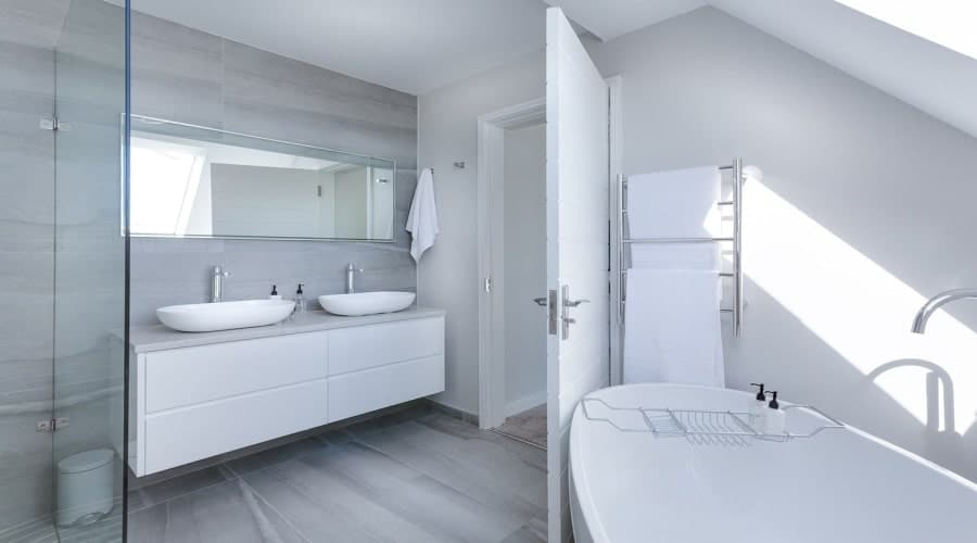Best tips and time for remodeling your bathroom