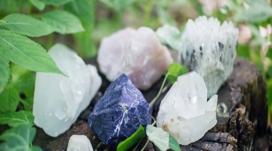 How crystal therapy provides tranquility and restores energy alignment?