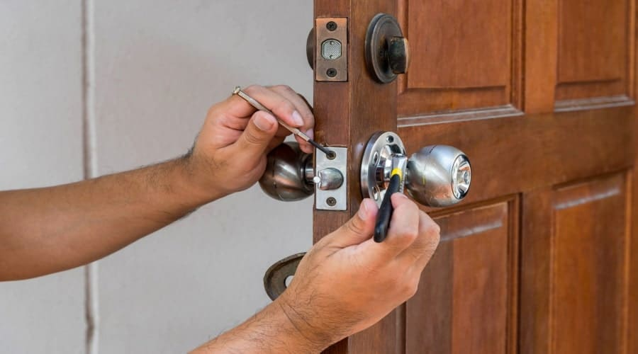 A Step by Step Guide on What to Do When You're Locked Out of Your House