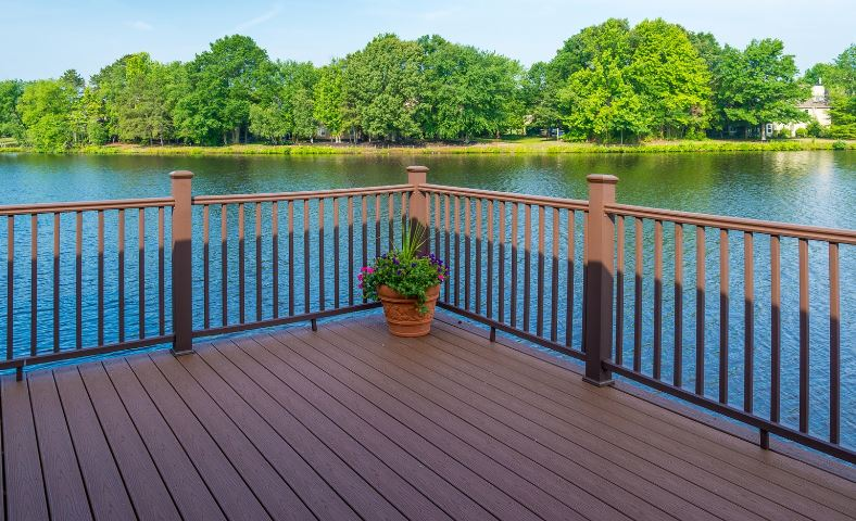 Sealing a Deck? This Is How Much You Can Expect to Pay