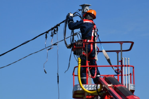 Emergency Electricians - Skills And Qualities They Should Possess
