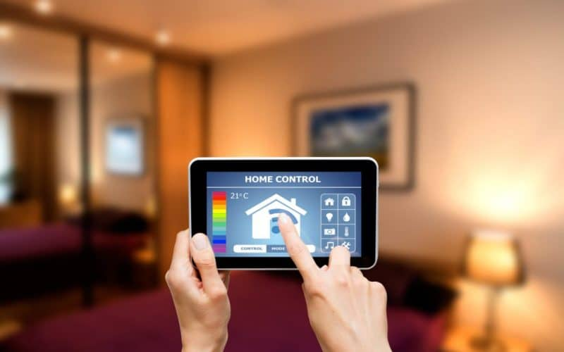 Smart Home Control System: What Are Their Main Features ?