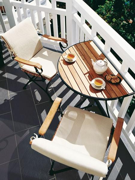 Handy fold-away table